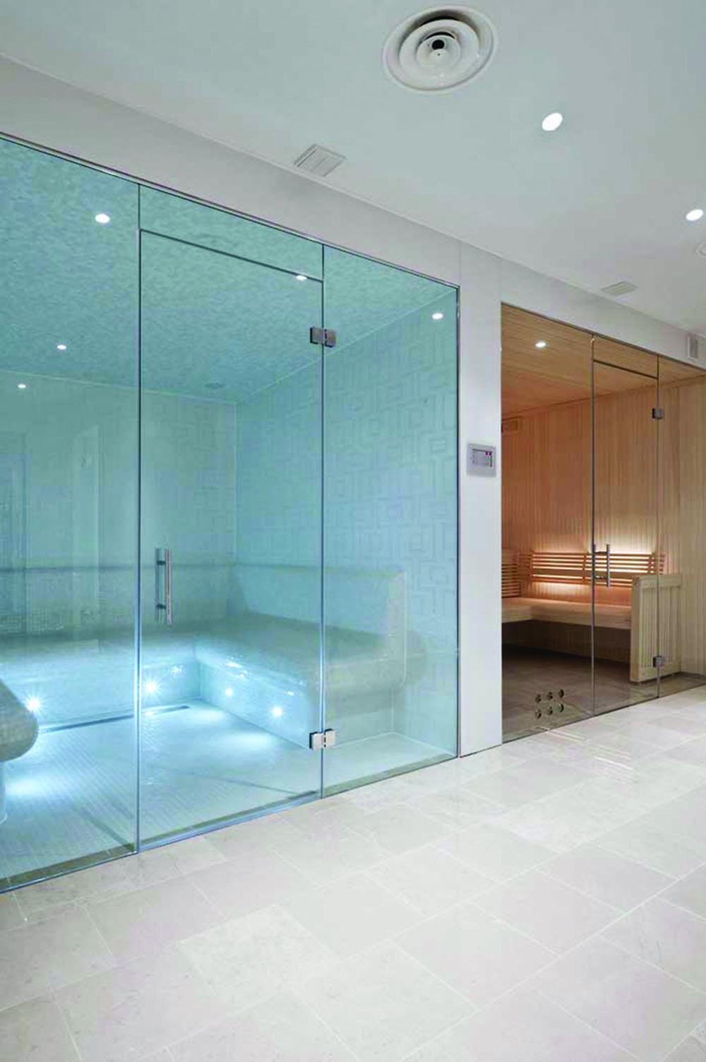 Frameless glass steam rooms sauna screens glasstrends take a look through our portfolio below for inspiration on steam room and sauna screens eventelaan Images
